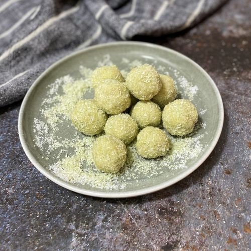 Moringa energy balls