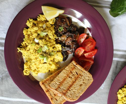 Tofu scramble and mushrooms